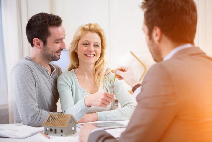 Jak pronajmout byt? Vyberte spolehlivé nájemníky