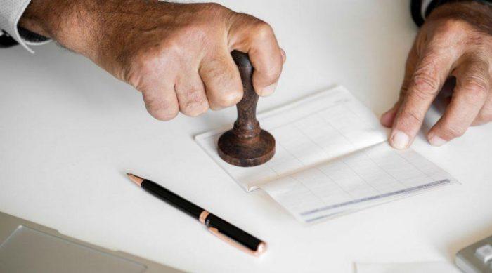 Rezervační smlouvu na nemovitost většinou podepisuje kupující a realitní kancelář