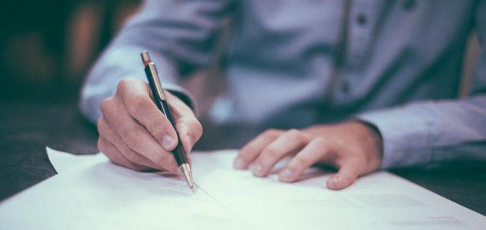 Bezpečný převod nemovitosti si žádá perfektní kupní smlouvu