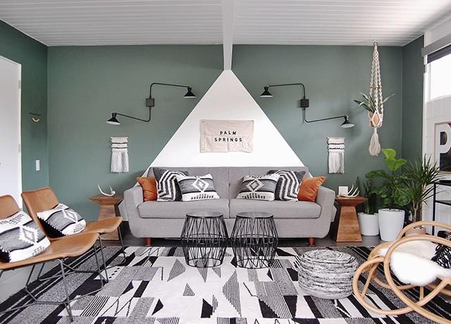 originální výmalba obývacího pokoje